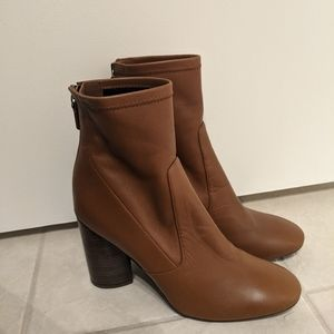 NWT Leather Mercedes Castillo Heeled Boots